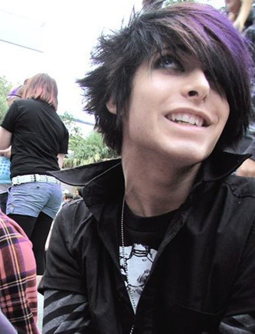 Emo Hair: How to Grow, Maintain & Style Like A BOSS – Cool Men's Hair