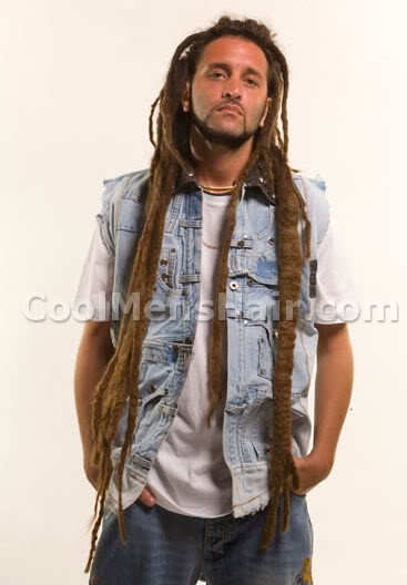 Picture of Alborosie long dreadlock hair.