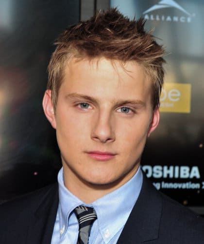 Photo of Alexander Ludwig hairstyle.