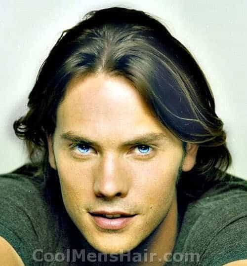 Photo of Barry Watson hairstyle for men.