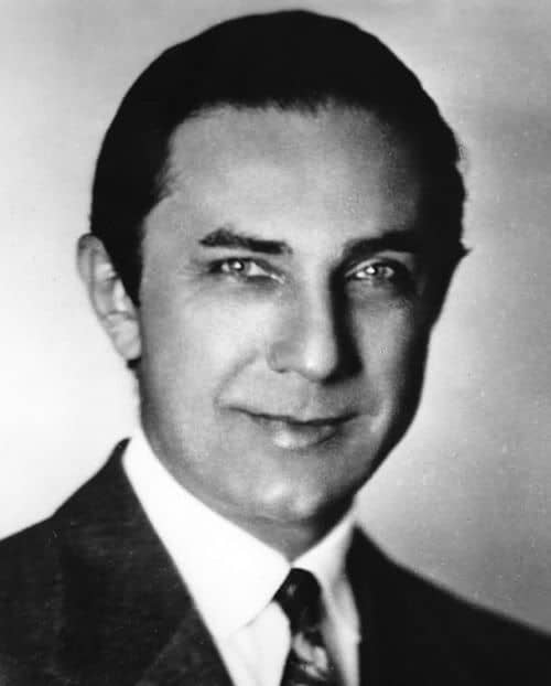 Image of Bela Lugosi Hairstyle.