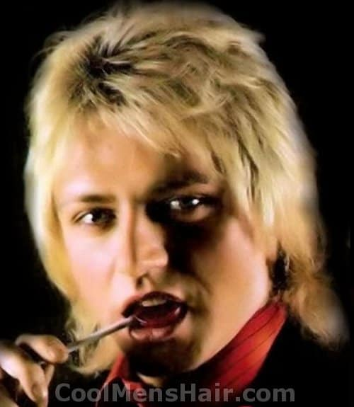 Photo of Benjamin Orr hairstyle.