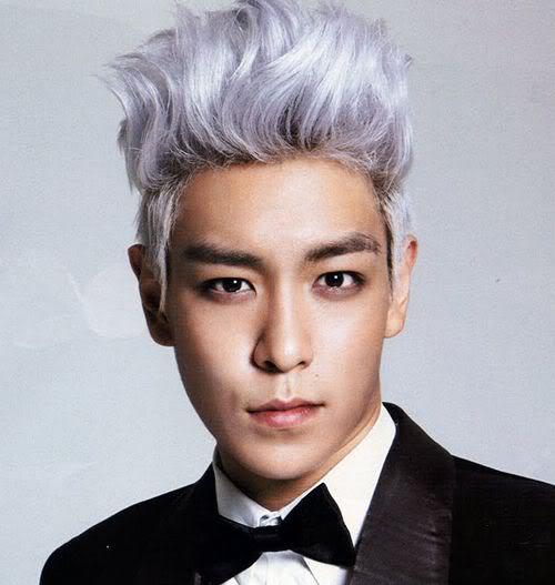 Photo of Choi Seung-hyun (T. O. P.) hairstyle.