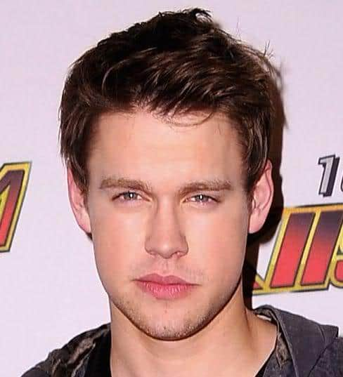 Picture of Chord Overstreet dark hair.