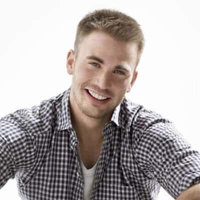 Cool short hairstyle from Chris Evans.