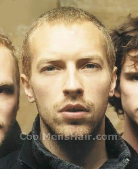 Chris Martin short hairstyle picture.