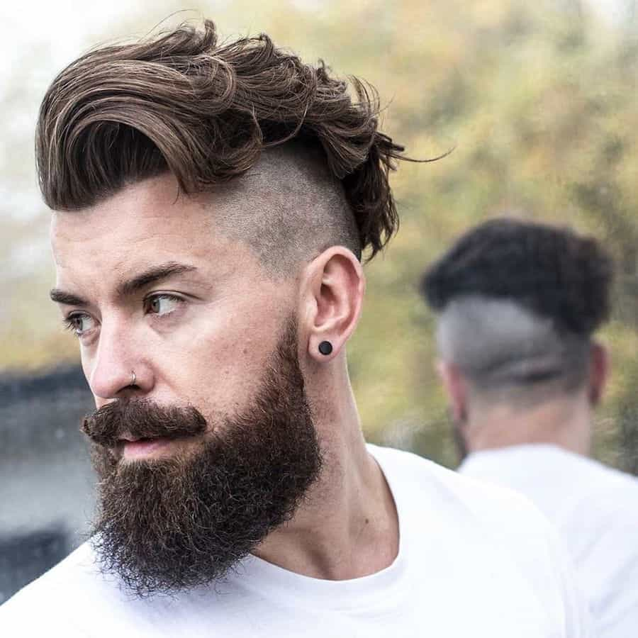 wavy disconnected undercut for men