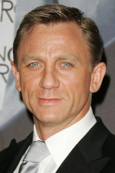 Daniel Craig elegant hairstyle