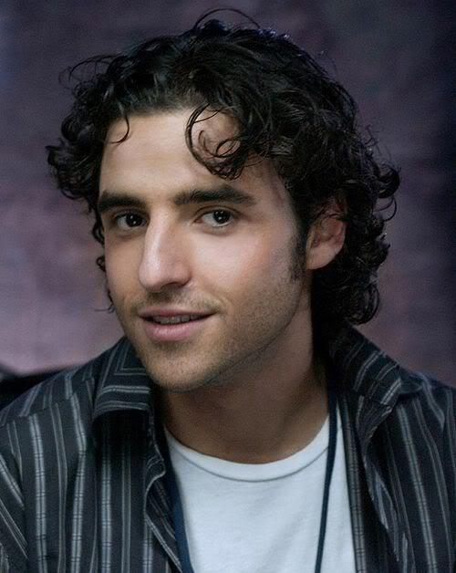 Photo of David Krumholtz curly hair.