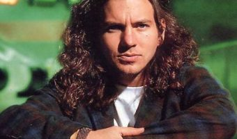 Eddie Vedder Long Hairstyle