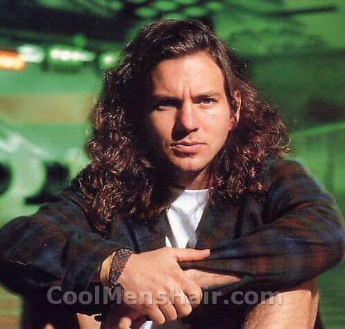 Photo of Eddie Vedder hairstyle.