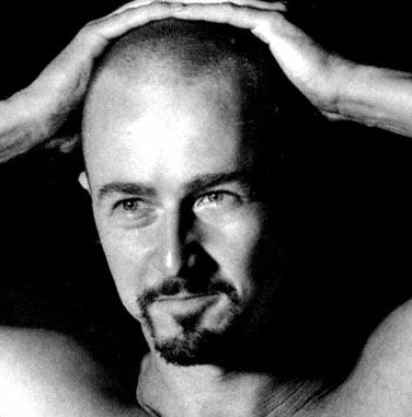 Photo of Edward Norton buzz cut.