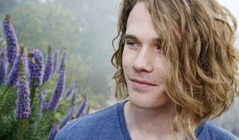 Get Rid Of Frizzy Hair: Taming Bushy Hair in 6 Steps