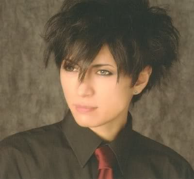 Gackt messy hairstyle