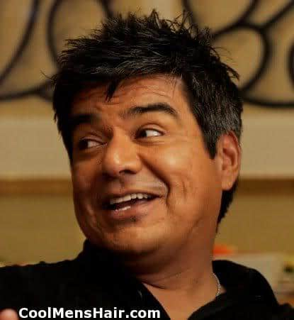 Picture of George Lopez short hairstyle.