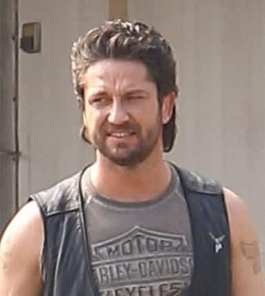 Picture of Gerard Butler slick back hairstyle.