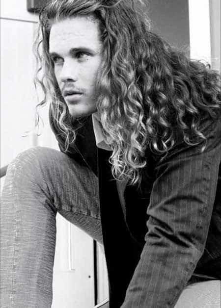 Medium Length Haircuts For Men Curly Hair 47