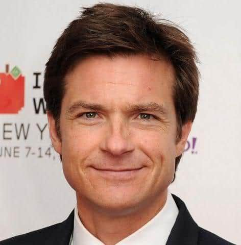 Picture of Jason Bateman formal hairstyle.