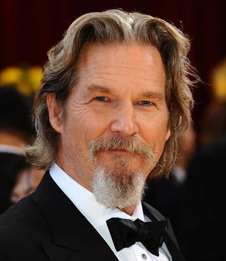 Photo of Jeff Bridges wavy hairstyle.