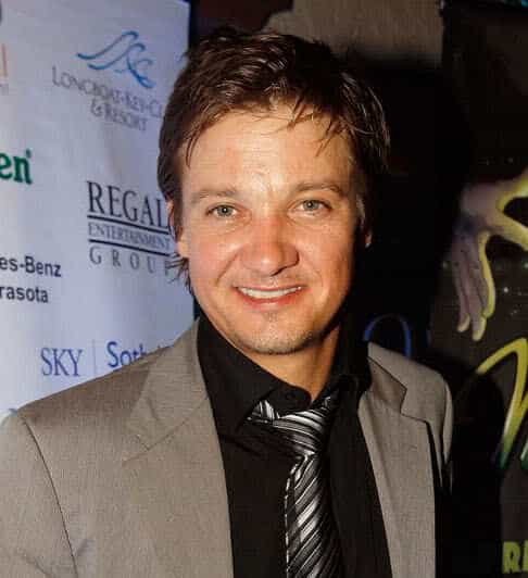 Photo of Jeremy Renner hairstyle.