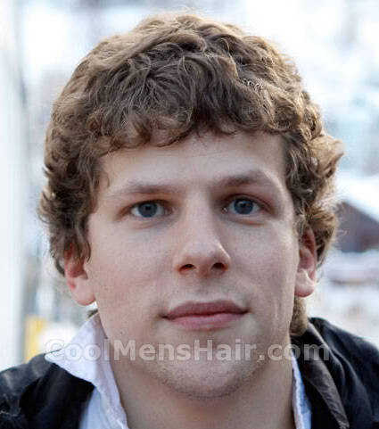 Picture of Jesse Eisenberg curly hairstyle.