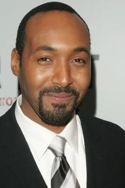 Jesse Martin hairstyle