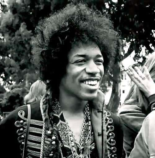 Photo of Jimi Hendrix hairstyle.