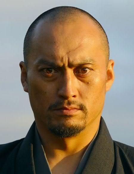 Image of Ken Watanabe shaved hairstyle.
