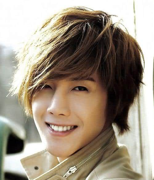 Photo of Kim Hyun Joong hairstyle.