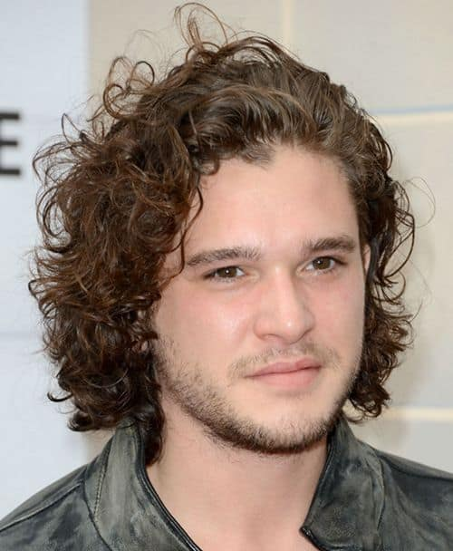 Image of Kit Harington curly hairstyle.