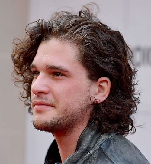 Picture of the side view of Kit Harington hairstyle.