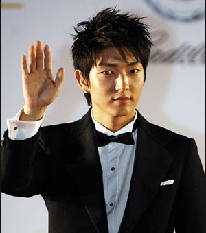 Long hairstyle from Lee Jun Ki