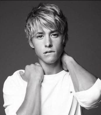 cool mens hairstyles from Mitch Hewer hairstyle