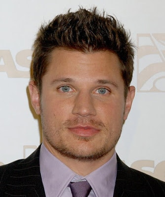 Men's spiky hairstyle from Nick Lachey