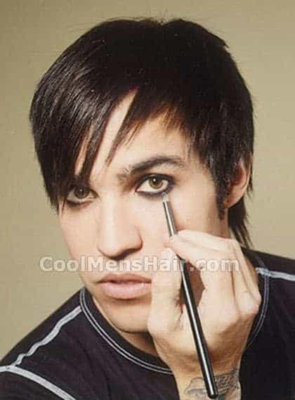 Photo of Pete Wentz emo hairstyle with eyeliner.