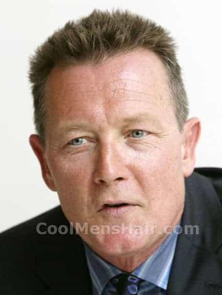 Image of Robert Patrick short spiky hairstyle.