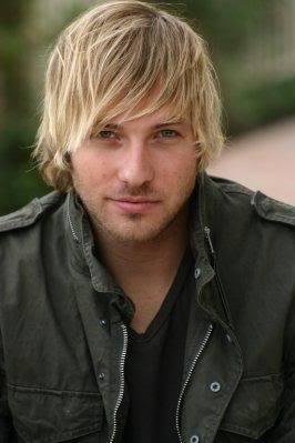 Mens hairstyle from Ryan Hansen