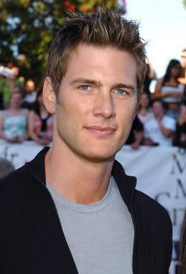 Ryan McPartlin short hairstyle