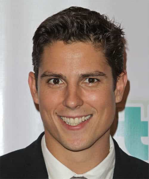 Picture of Sean Faris short hairstyle.