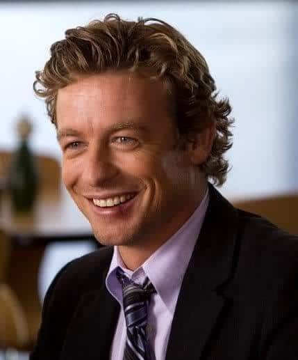 Image of Simon Baker wavy hair.