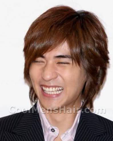 Photo of Vic Zhou brown hairstyle for Taiwanese men.