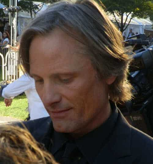 Pic of Viggo Mortensen shag hairstyle.