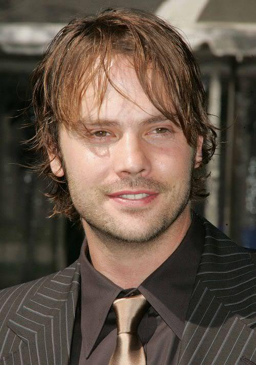 Image of Barry Watson medium hairstyle.