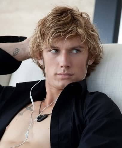 Alex Pettyfer Surf Hairstyle