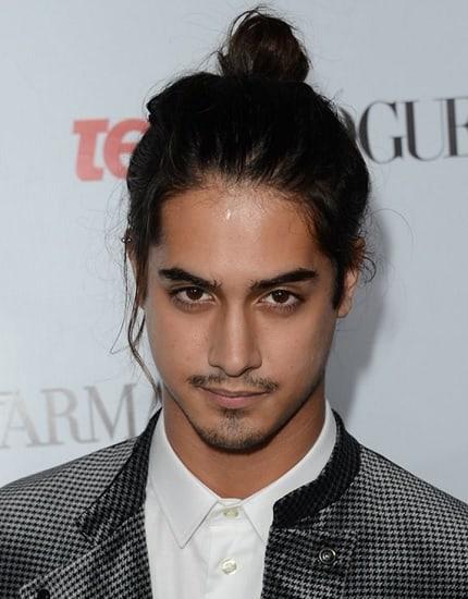 man bun hairstyles to pair up big nose