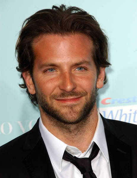 Bradley Cooper wavy hairstyle