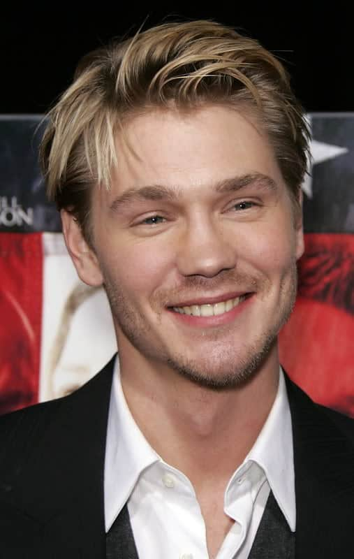 Chad Michael Murray side-parting hairstyle photo.