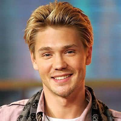 Image of Chad Michael Murray brushed-back hairstyle.
