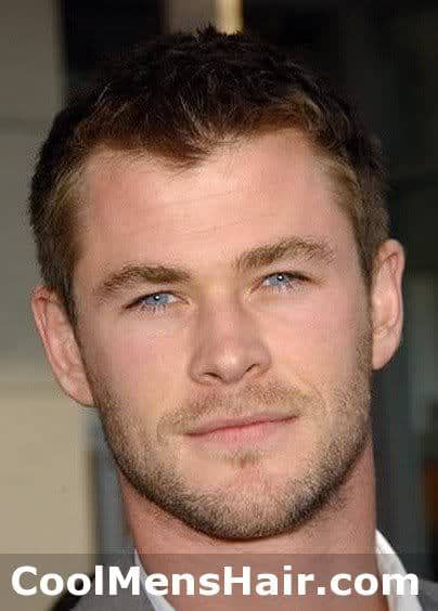 Photo of Chris Hemsworth hairstyle.