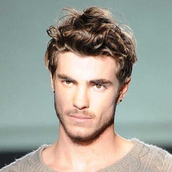 messy country hairstyle for guys